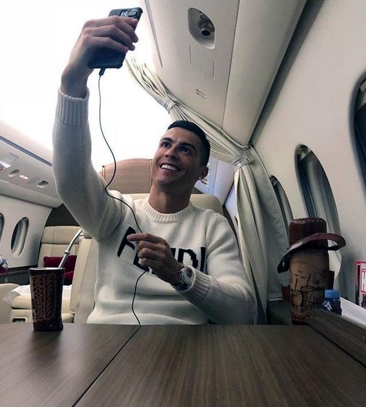 Ronaldo Selfie Sala