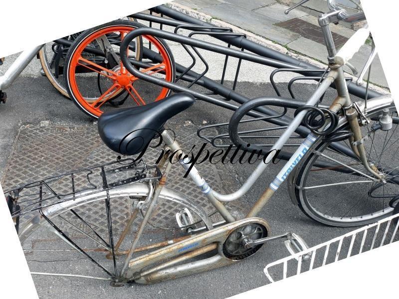 Ladri bicicletta fotografia